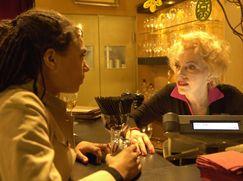 Lotta in Love Staffel 01 Folge 11: Überflüssig