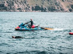 Ross Edgley's Great British Swim Staffel 1 Folge 6: Kampf bei Land's End