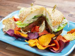 Schnelle Küche mit Rachael Ray Schnelle Küche mit Rachael Ray Staffel 28 Folge 25: Shawarma-Burger