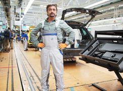 Richard Hammond's BIG - Größer geht's nicht! Richard Hammond's BIG - Größer geht's nicht! Staffel 1 Folge 1: Das größte Autowerk der Welt