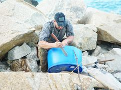 Ed Stafford: Survival-Duell in China Ed Stafford: Survival-Duell in China Staffel 2 Folge 4: Wanshan-Inseln: Ed vs. Matt Wright