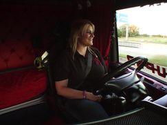 Asphalt-Cowboys - Ladies on tour Asphalt-Cowboys - Ladies on tour Staffel 1 Folge 2: Asphaltfieber