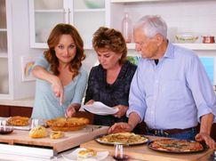 Giadas beste Familienrezepte Giadas beste Familienrezepte Staffel 7 Folge 5: Onkel Buzz' Pizza-Geheimnis