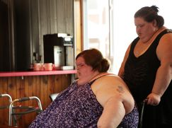 Die Pfund-Schwestern: Unser Leben mit 500 kg Die Pfund-Schwestern: Unser Leben mit 500 kg Staffel 1 Folge 1: Wir sind die Slaton-Schwestern