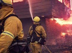 Cal Fire - Feueralarm in Kalifornien Cal Fire - Feueralarm in Kalifornien Staffel 1 Folge 2: Mit vereinten Kräften
