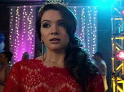 Faking It Staffel 01 Folge 2: Homecoming-Out