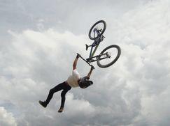 What the Fun?! Staffel 2020 Folge 21: Gäste: Elias Schwärzler & Nico Scholze (Mountainbike)